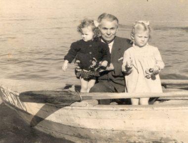 Lasgush Poradeci me Maria Poradeci (Gusho) dhe Kostandina.