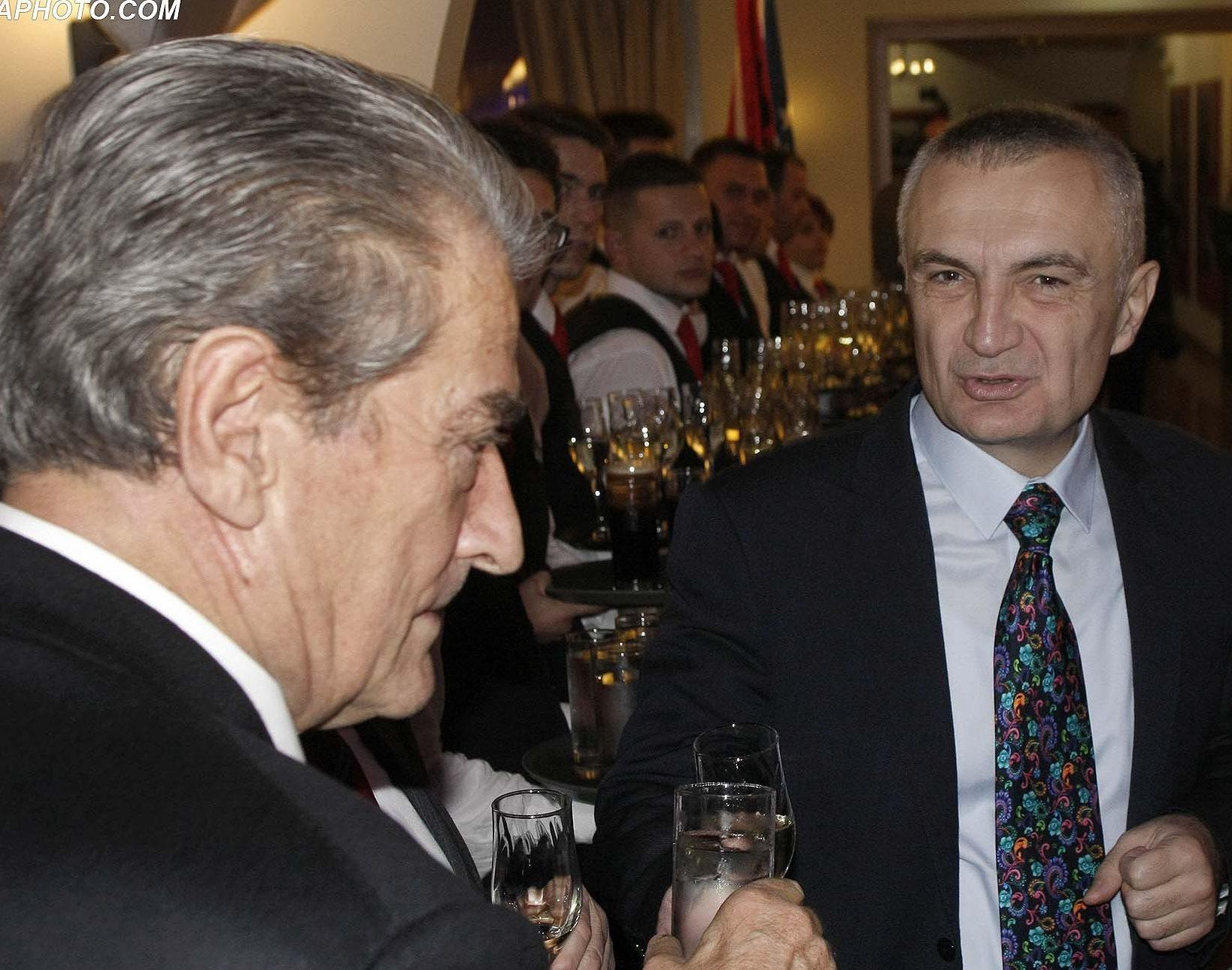 8 VJETORI I PAVARESISE SE KOSOVES - Ish Kryeministri, Sali Berisha, Kryetari i Kuvendit Ilir Meta dhe deputeti i PS, Pandeli Majko, gjate nje pritje festive me personalitete shteterore me rastin e 8 vjetorit te festes se Pavaresise se Kosoves./r/n/r/n8 ANNIVERSARY OF INDEPENDENCE OF KOSOVO - Former Prime Minister Sali Berisha, Parliament Speaker Ilir Meta and lawmaker, Pandeli Majko, during a festive reception with state dignitaries on the occasion of the 8th anniversary of the feast of the Independence of Kosovo.