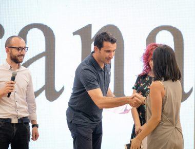 thumbnail_Veliaj gjate ceremonise se ndarjes se cmimeve fituese per konkursin e produktit turistik (4)