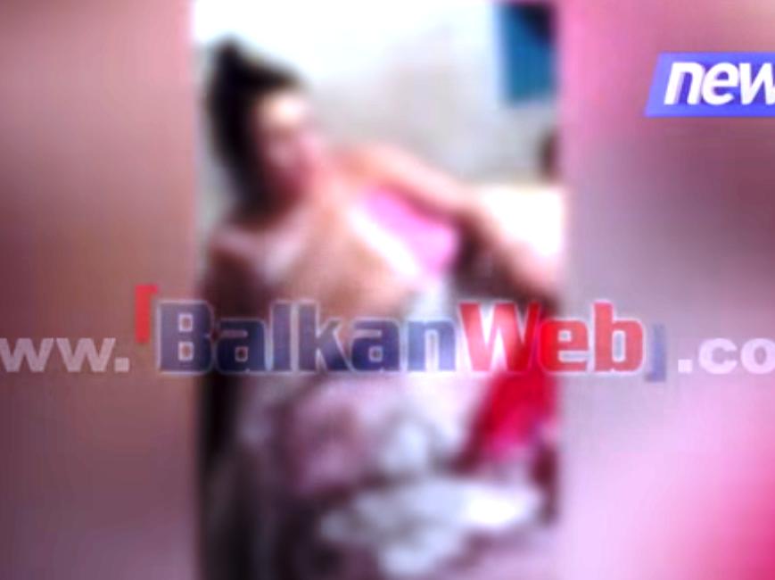 Videoja +18/ Si u gjet gruaja në shtrat me dashnorin: Jam pa sutjena