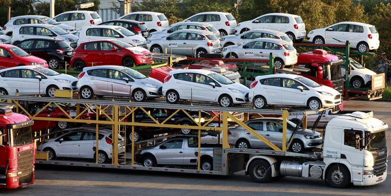 Ndalimi i makinave të vjetra  bie ndjeshëm importi në dhjetor