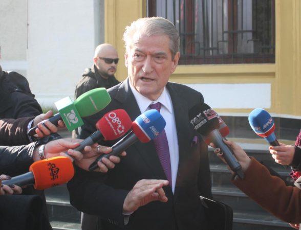 Parlament Berisha Basha (2)