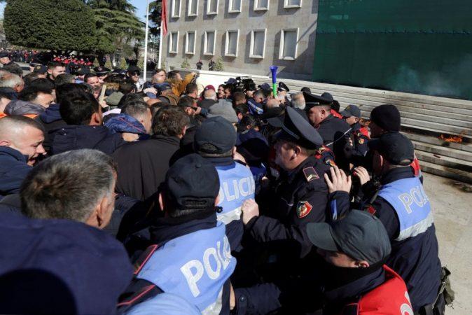Protesta Para Kryeministrise 33