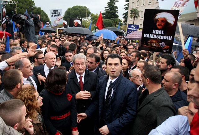 Lulzim Basha Ne Proteste