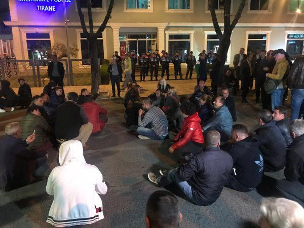Protesta Tek Policia (1)