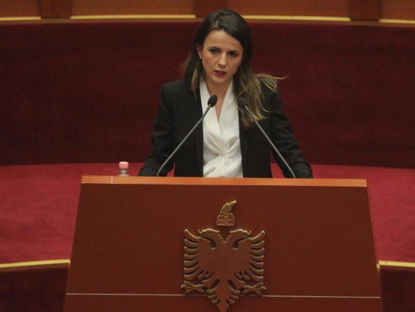 Rudina Hajdari Parlament (1)