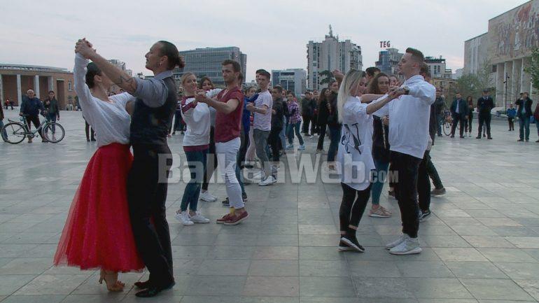 Ballo Vjeneze Ne Tirane