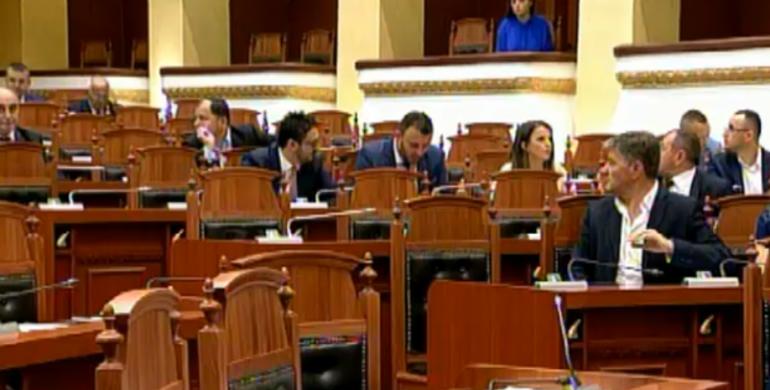 Parlamenti2