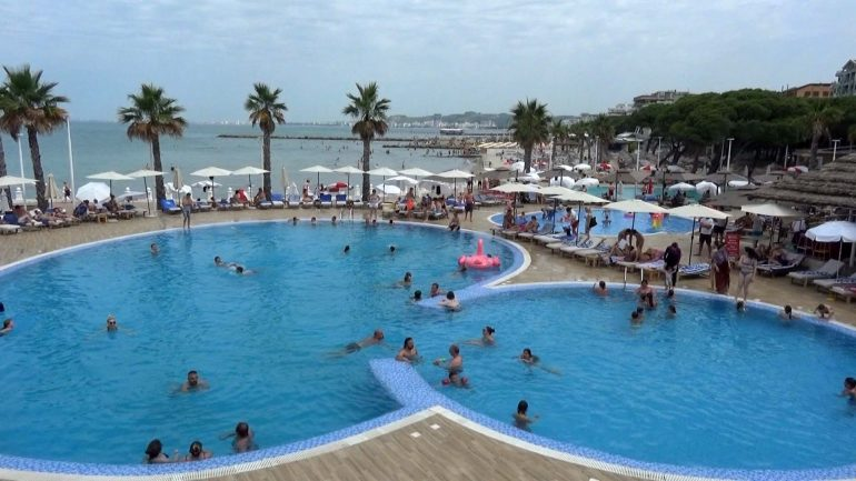 Prestige Resort 2