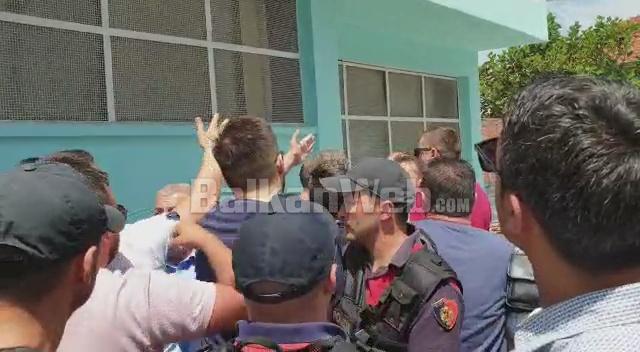 Shkoder Perplasje Me Policine Ne Kzaz
