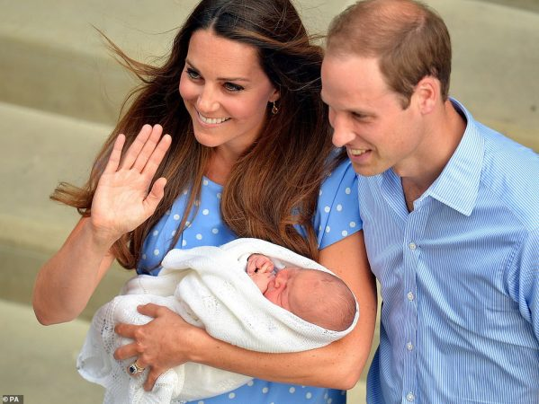 16302918 7269583 When George Was Born Kate Middleton Took A Page From Lady Diana A 3 1563718310721