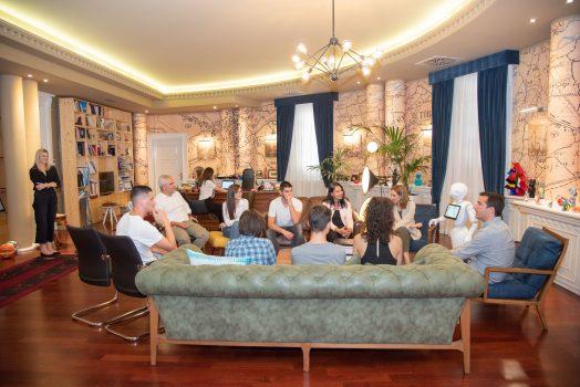 Veliaj Gjate Takimit Me Te Rinjte Shqiptare Qe Moren Cmimin E Dyte Ne Olimpiaden E Robotikes Ne Meksike (3)