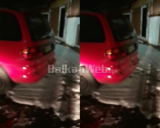 VIDEO  Panik në Krujë  makina merr flakë sapo del nga servisi