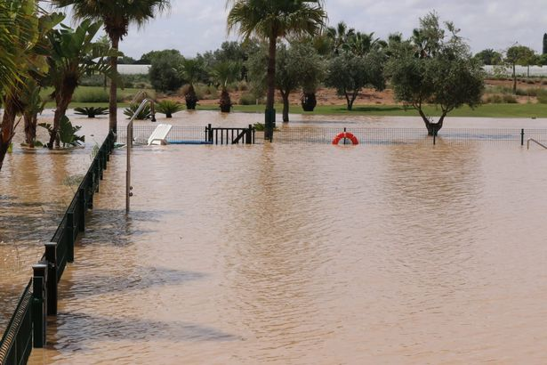 0 Spanish Flooding Holidaymaker Describes Chaos As Resort Abandoned