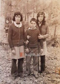 Natasha Koço Vëllai I Vogël Dhe Marjana 301x420