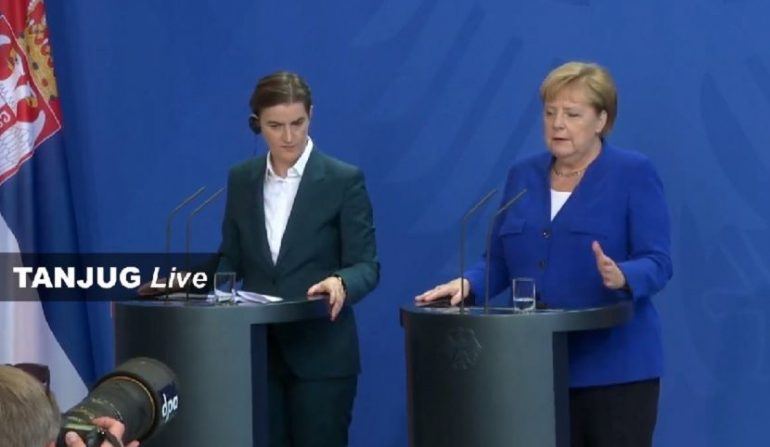 Angela Merkel 830x0