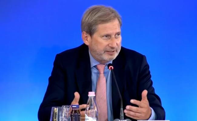 Johannes Hahn  Shqipëria dhe MV e meritojnë fillimin e negociatave
