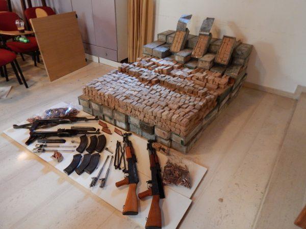 Kamioni me municione  Shkatërrohet grupi kriminal në Kretë  dyshohet se armët ishin importuar nga Shqipëria