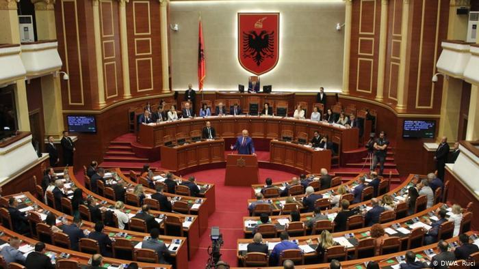 Analiza e Deutsche Welle  Kriza politike vazhdon  Protesta apo dialog dhe marrëveshje me Ramën