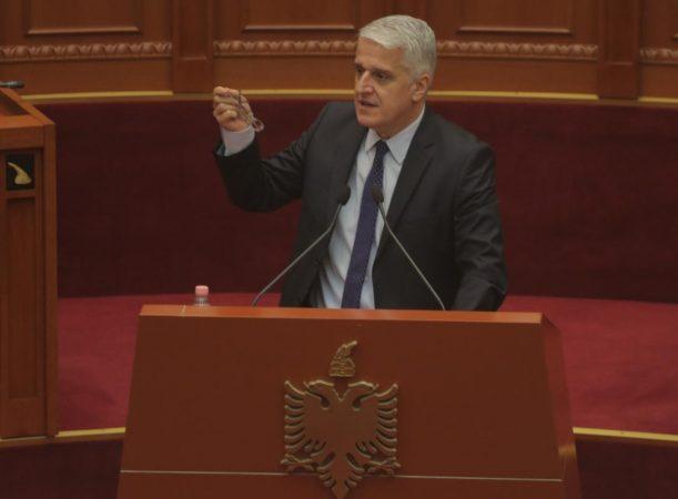 Parlament 12 Shtator (2)