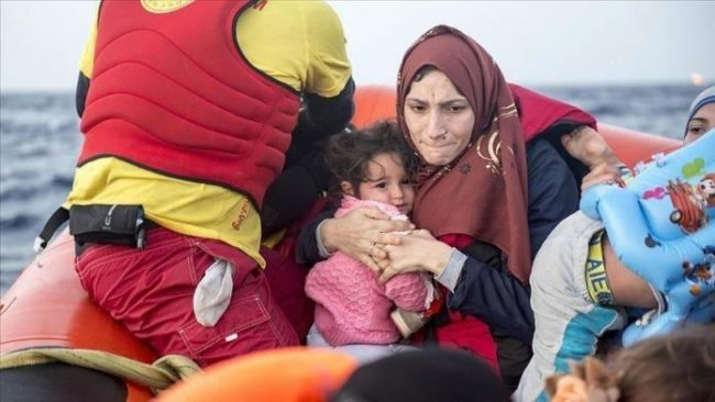 Gjermani  Seehofer  Të gatshëm të marrim 25  të migrantëve