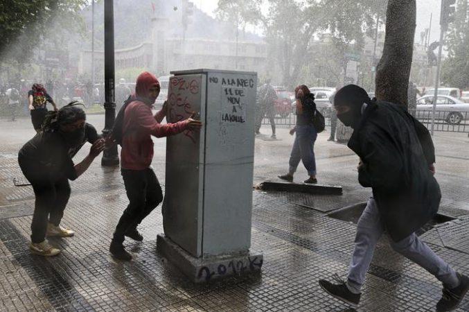Cile: Media, Tre Morti Durante I Disordini