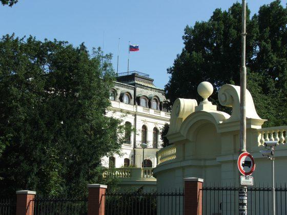 Russian Embassy Prague 2355 560x420 (1)