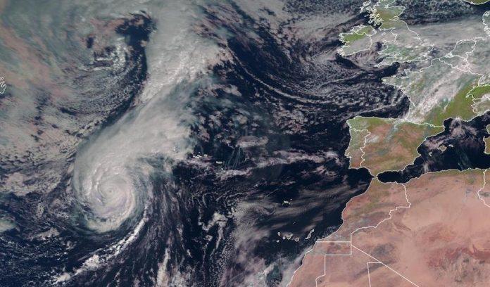Uragano Lorenzo Europa 696x408