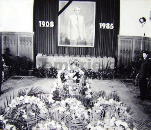 Enveri I Vdekur 1985