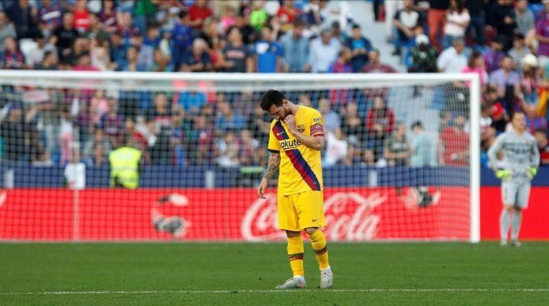 Messi Apesadumbrado Despues Que Ter Stegen Fondo Encajara Otro Gol Campo Del Levante 1572805422168