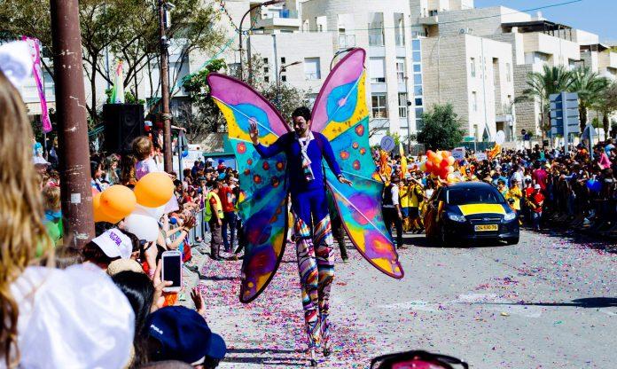 Parade Pourim Adloyada 696x416