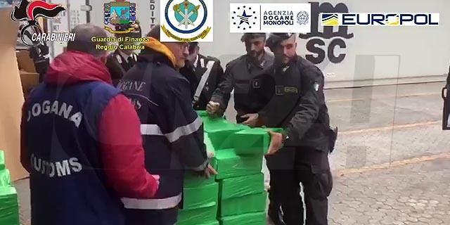 Sequestro Tonnellata Cocaina Porto Gioia Tauro 06